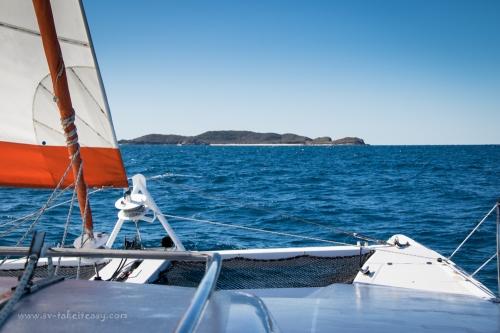 Sailing to Humpy Island-1