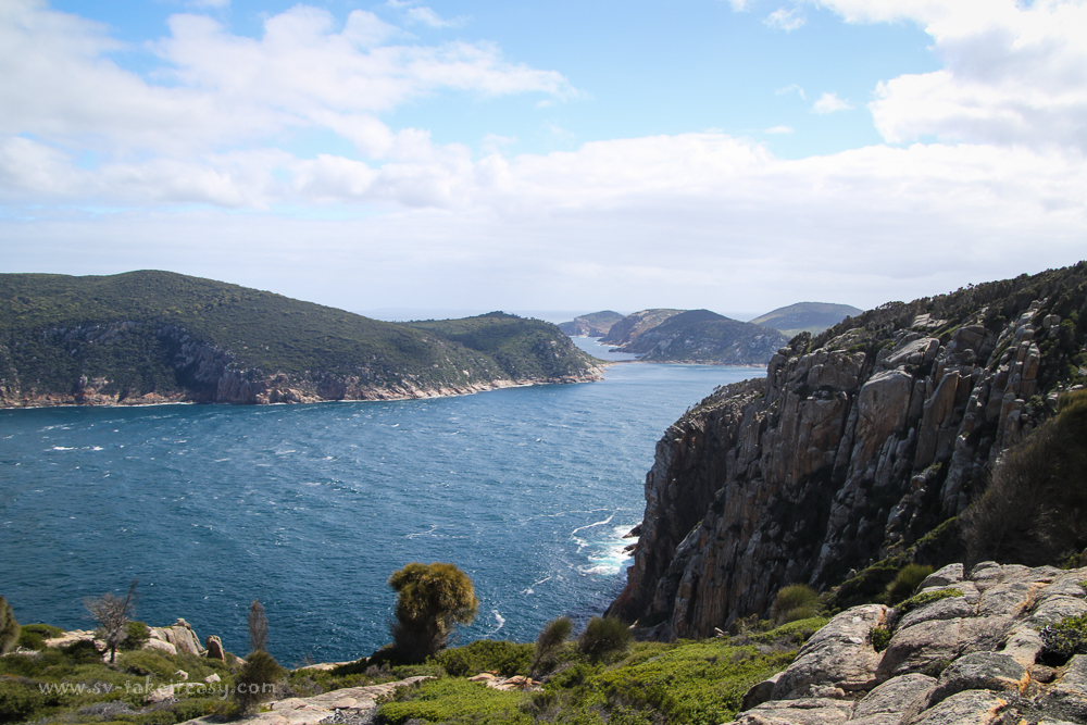 Murray Pass, Dover and Erith Islands