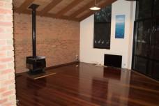 Jan Juc lounge nearly empty