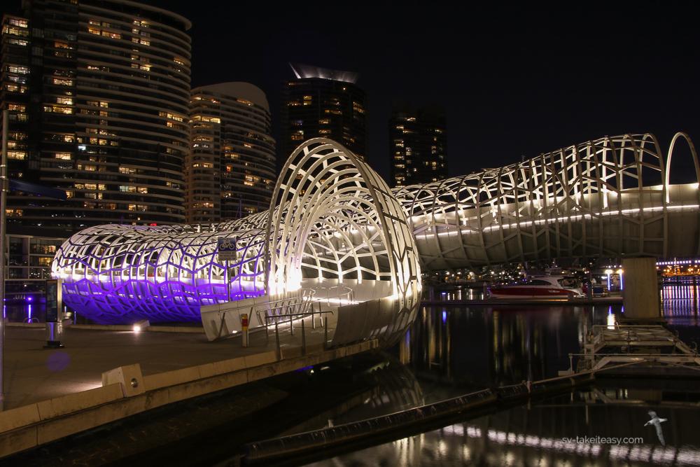 Web Bridge, Docklands