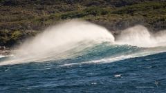 Waves feathering at the Jibbon Bumbora