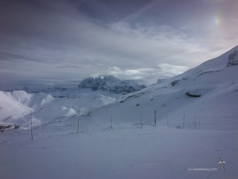 Clouding over at Avoriaz. You can see the Dents du Midi in the distance, with the Dents du Midi at 3257m