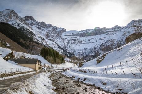 Cirque de Gavarnie in winter