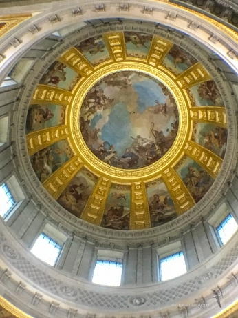 lose up of the dome paintings