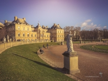 Les Jardins du Luxembourg and its palace, with over 100 statues in its grounds
