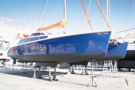 New antifoul and polished hulls
