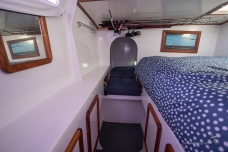 Single bunk and double - Port - Fishing rod not for sale