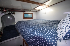 Double Bed in Port Hull